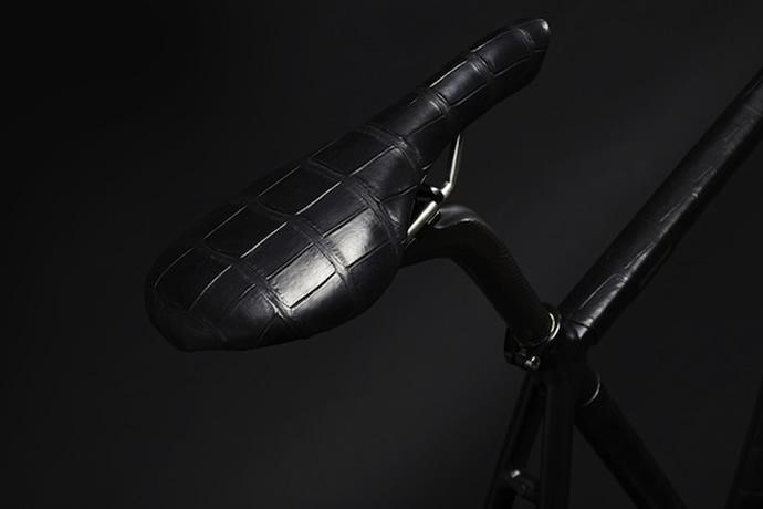 wlwc-crocodile-wrapped-bike-8