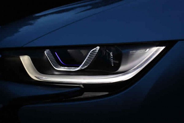 bmw-i8-laser-headlights-1