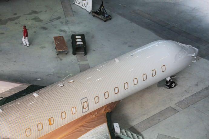 happy-design-studio-private-jet-painting-10