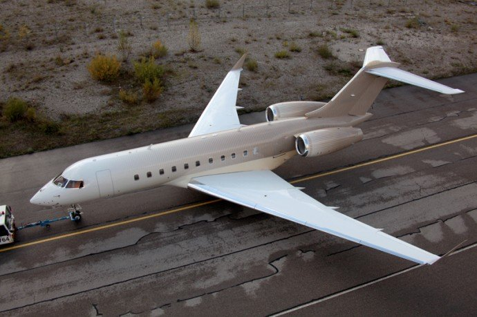 happy-design-studio-private-jet-painting-7