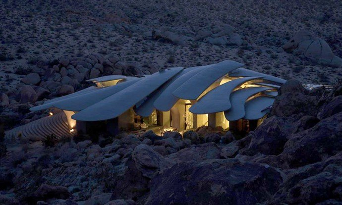 Calling All Fantasists A Unique Sci Fi Style Desert House