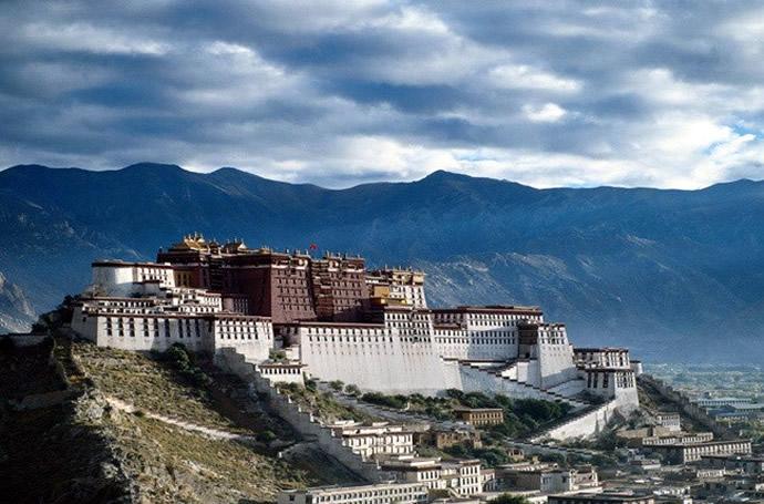 shangri-la-lhasa