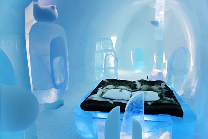 [Jeu] Association d'images - Page 39 Bmw-ice-hotel-1