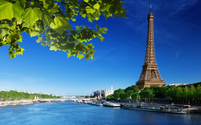 eiffel-tower-seine-river