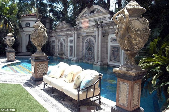gianni-versaces-miami-mansion-6