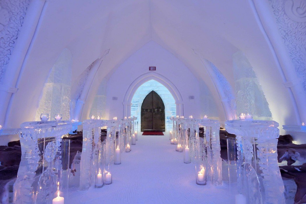 Cars Com Reviews >> L'Hôtel de glace in Canada is the ultimate luxurious abode ...