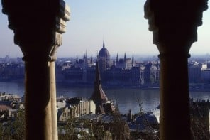 "Calling all vampire lovers! The Four Seasons Hotel Gresham Palace creates ""Twilight in Budapest"" experience"