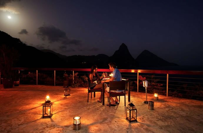 jade-mountain-dining-2