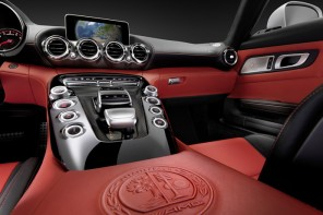 Mercedes-AMG GT Coupe interior revealed; will make a 2014 fall debut