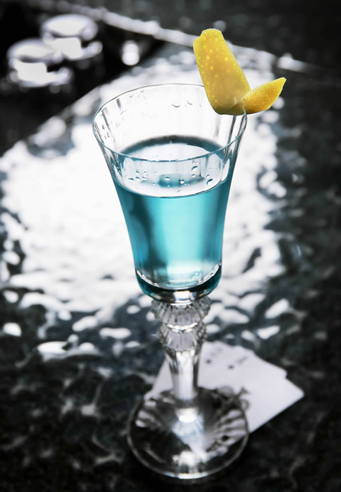 ritz-hong-kong-vesper-martini