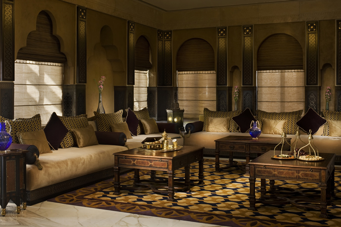 foto de al liwan suites doha lit king size tripadvisor step inside the luxurious 21 000 sq gold laced royal 903