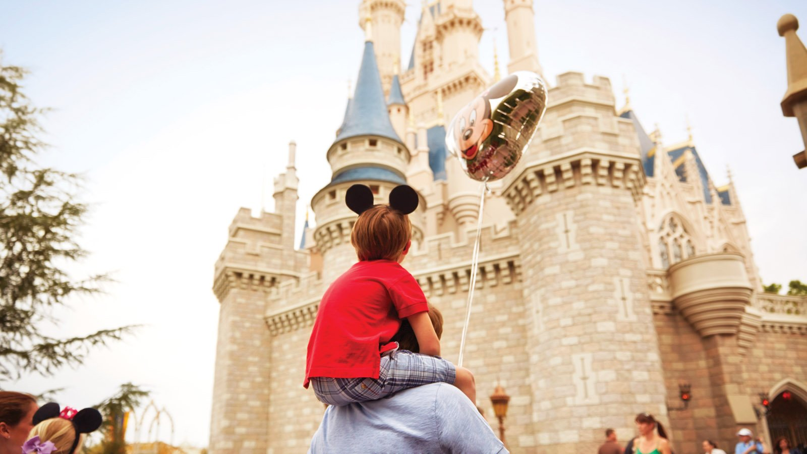 Wealthy moms find easy way out to cut-lines at Disney World -