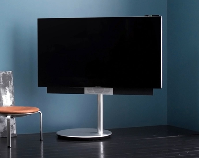 bang olufsen beovision avant 4k tv follows you for. Black Bedroom Furniture Sets. Home Design Ideas