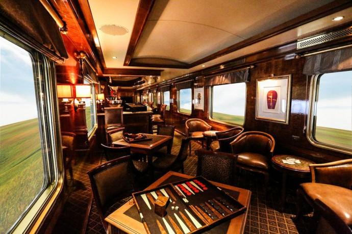 blue-train-elegant-lounges