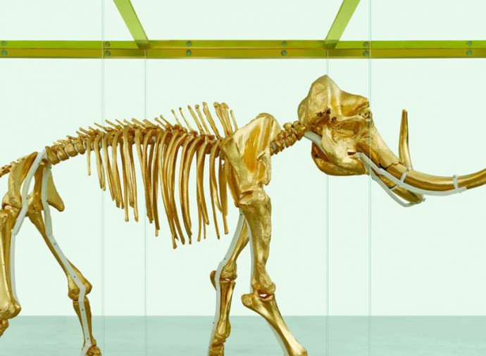 damien-hirst-golden-mammoth-skeleton-2