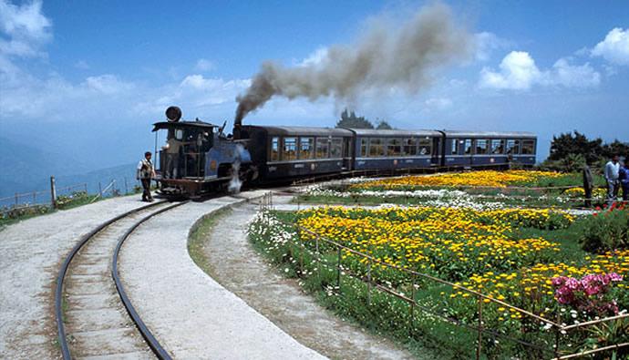 darjeeling-himalayan-railway-2