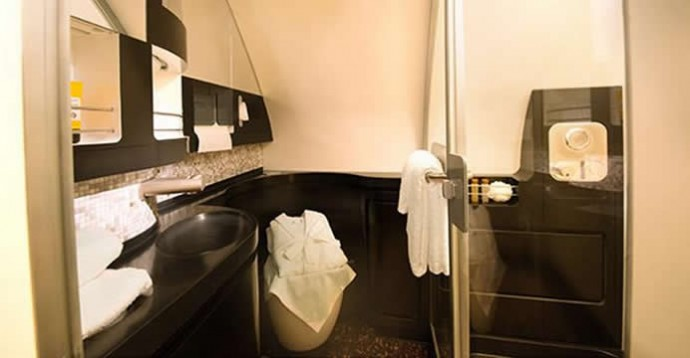 etihad-residence-suite-bath