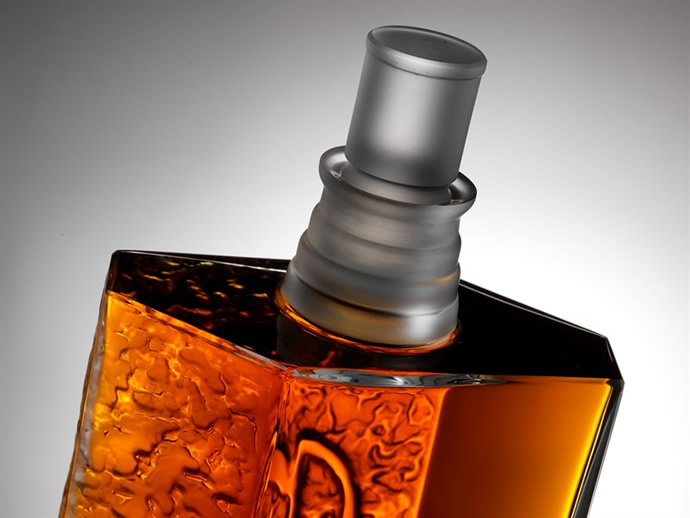 macallan-lalique-fifth-decanter-in-six-pillars-collection-3