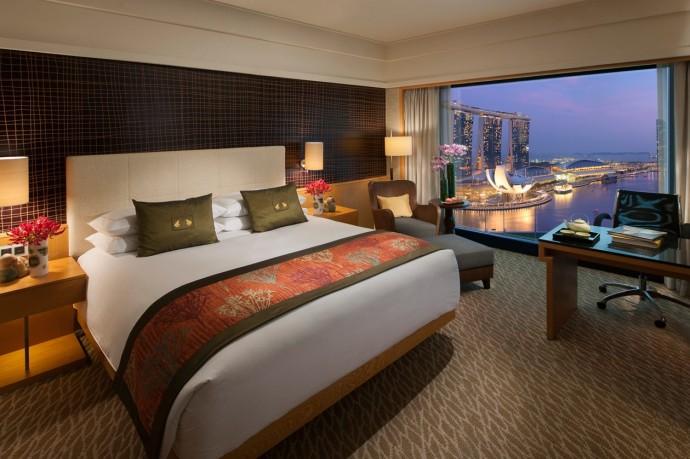 mandarin-oreintal-singapore-room-premier-harbour-room