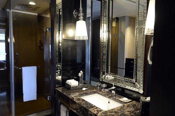 palladium-hotel-bathroom