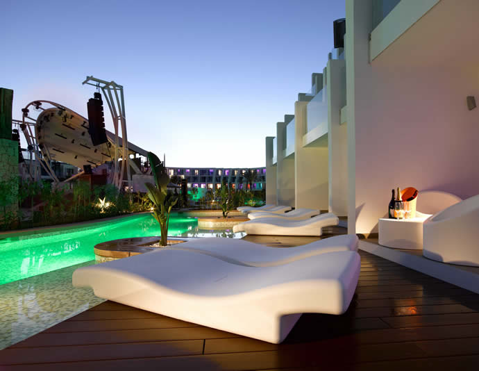 inside the hard rock hotel ibiza offering the party. Black Bedroom Furniture Sets. Home Design Ideas