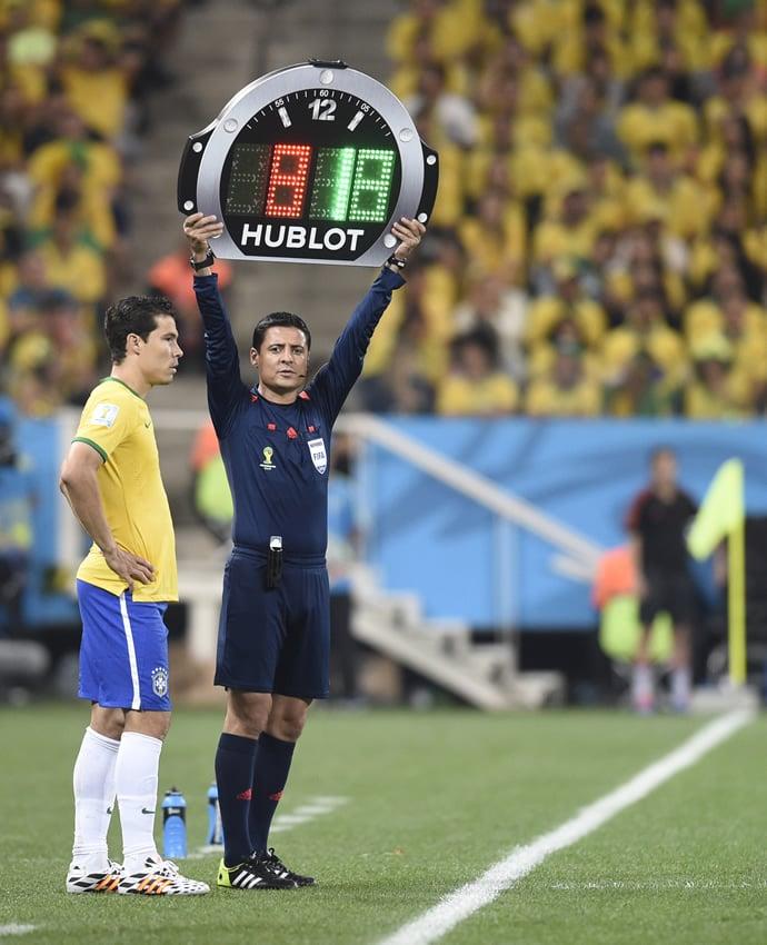 hublot-referee-board-2