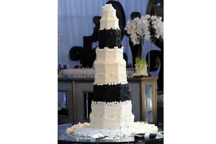 -kim-kardashian-krish-cake