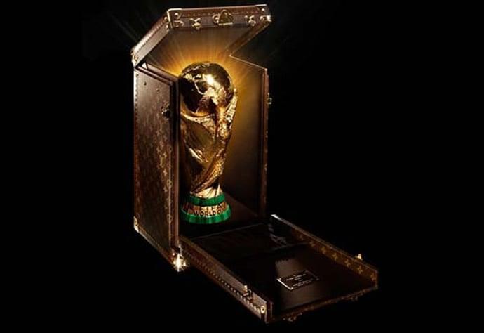 louis-vuitton-trophy-case