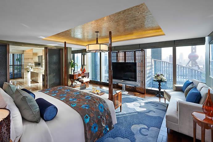 mandarin-oriental-shanghai-bedroom