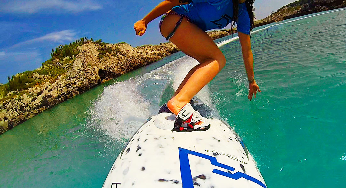 Aquila Electric Surfboards Promise High Speed Fun Without