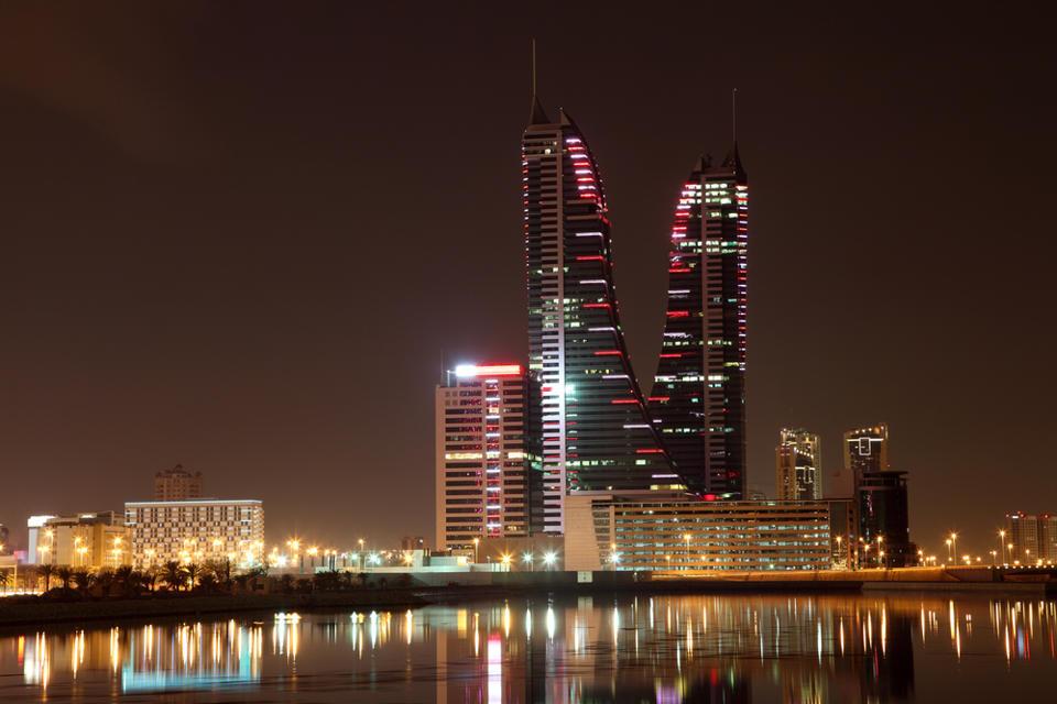 floating-hotel-bahrain