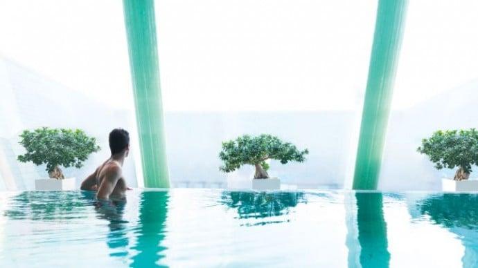 four-seasons-budapest-pool