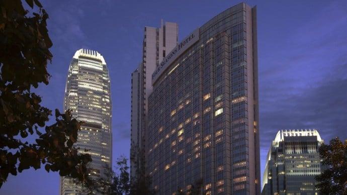 four-seasons-hotel-hong-kong