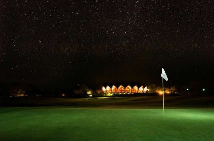 fsp-night-golf-clubhouse