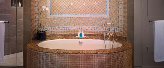 one-and-only-bahamas-roman-tub