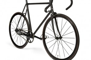 Paul Smith X Mercian create a $11,200 fixed gear bike for city cycling