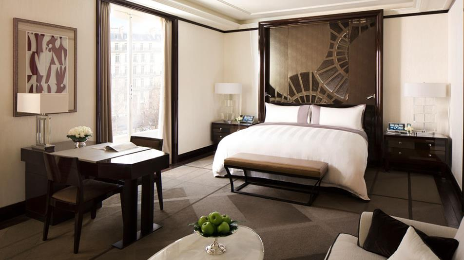 renaissance of a modern day palace the peninsula paris. Black Bedroom Furniture Sets. Home Design Ideas
