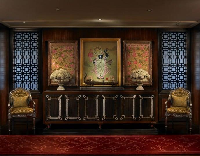 the-leela-palace-udaipur-maharaja-suite-entrance