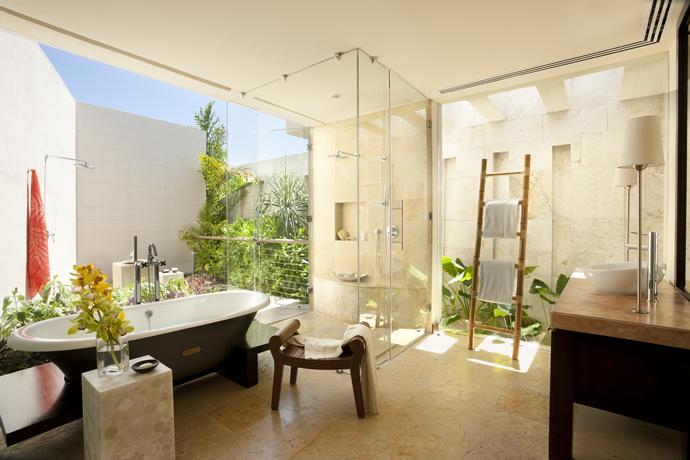 Overwater Lagoon Suite Bathroom