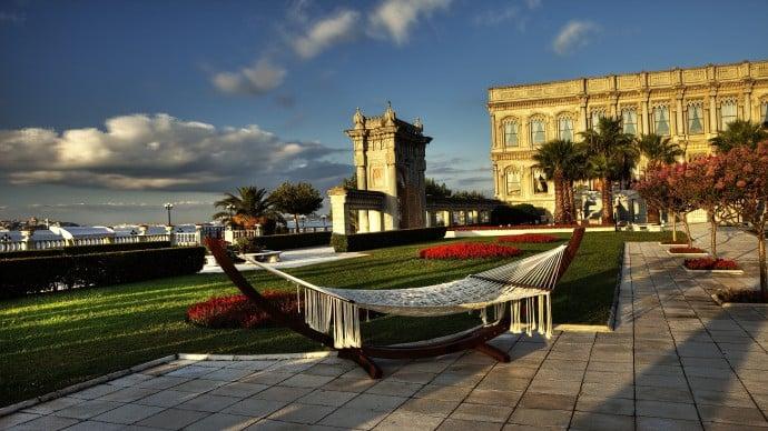 ciragan-palace-kempinski-garden