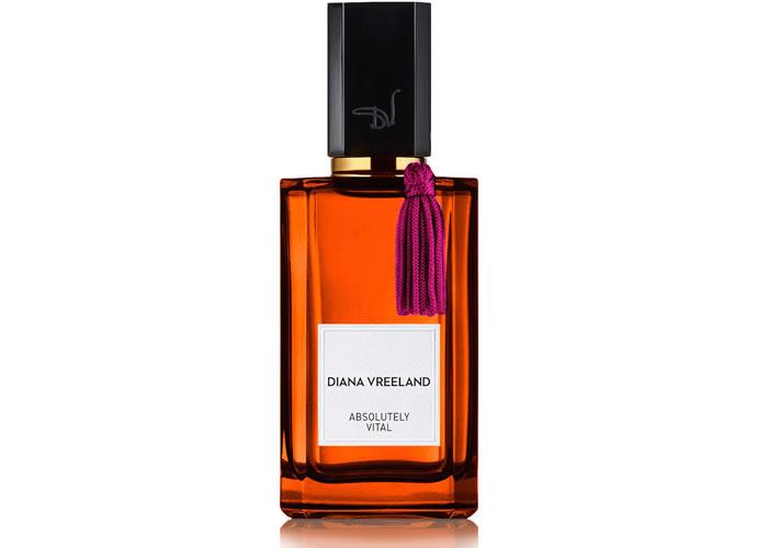 diana-vreeland-perfumes-absolutely-vital