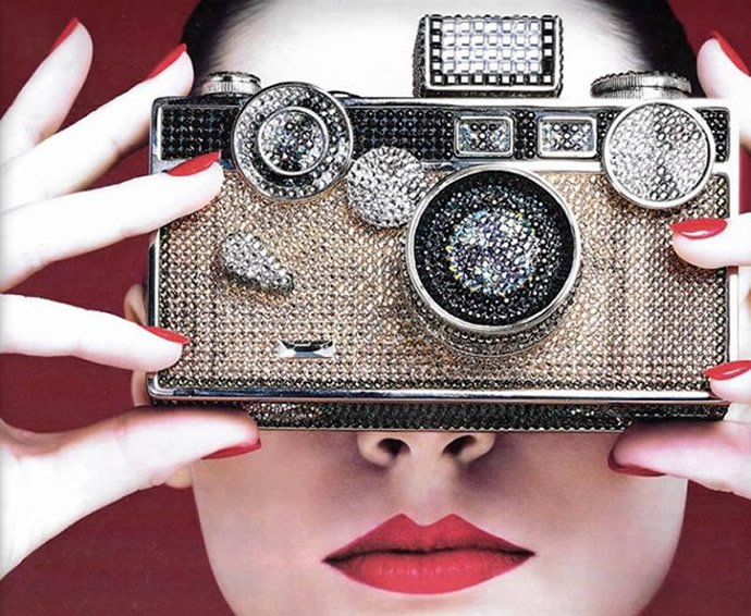 judith-leiber-camera-clutch-3