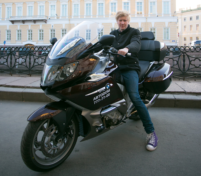 kempinski-bmw-motorcycle-taxi-service-1