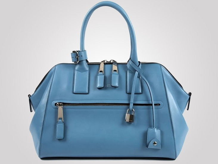 1cc65786c67 Men must be on a roll, I thought, after learning of their very doctor's bag  like Fendi Peekaboo bag. Luckily for us ladies, Marc Jacobs has created an  ...