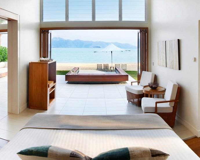 one-and-only-hayman-beach-house-with-pool-interior