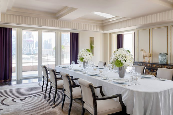 palace-suite-dining-room