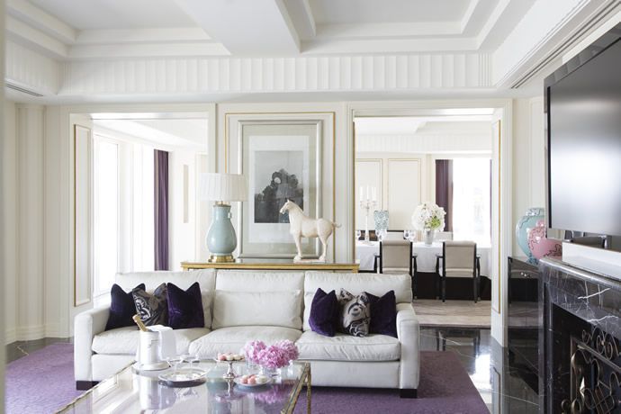 palace-suite-living-room