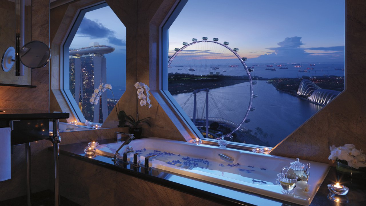 Top 3 hotels to check in to enjoy the singapore grand prix