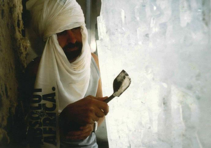 Absolut ICEBAR Sahara, 2001