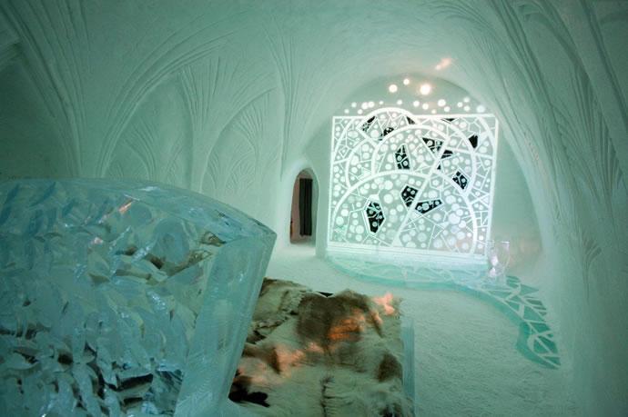 "Art Suite ""Russian Art Noveau"" by Rashid Sagadeev, Leonid Kopeykin, 2006 - Photo by Big Ben Productions"